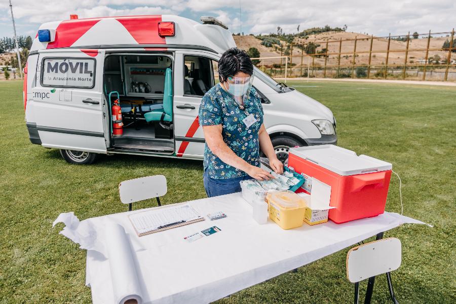 Clínicas móviles apoyan campaña de vacunación nacional contra el Covid en La Araucanía y Bío Bío